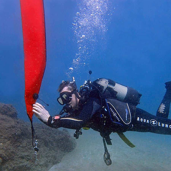 PADI delayed surface marker buoy speciality | Manta Diving Lanzarote