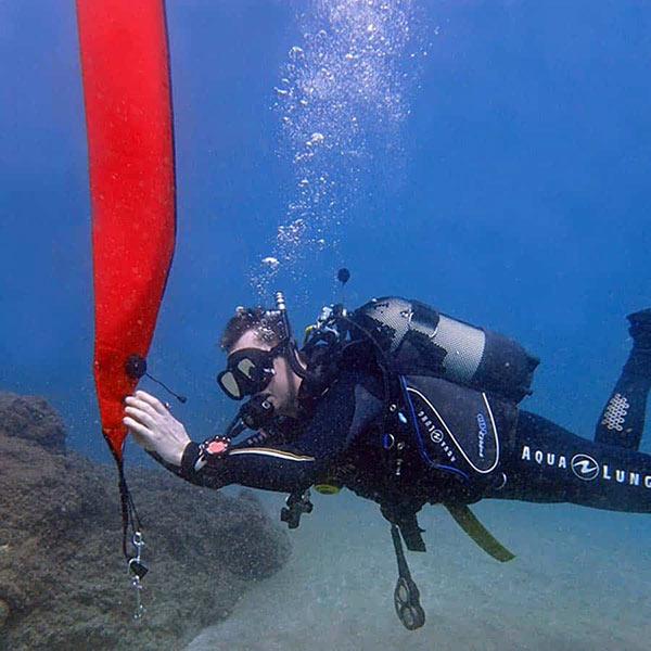 PADI delayed surface marker buoy speciality | Manta Diving Lanzarote