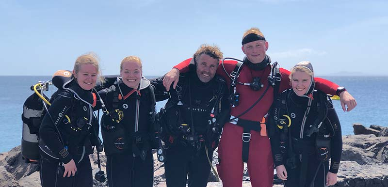 PADI diving lanzarote elite instructors | Manta Diving Lanzarote