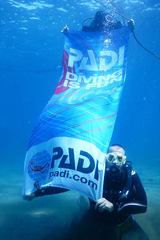 PADI scuba diving courses - diving in lanzarote with manta diving lanzarote