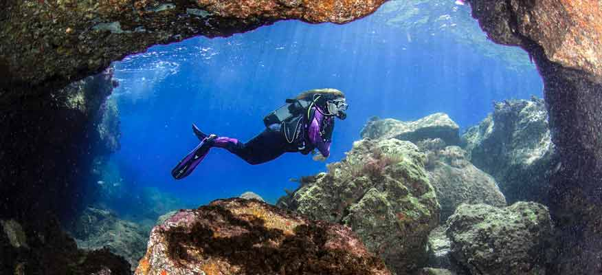 Improving your buoyancy control | Manta Diving Lanzarote