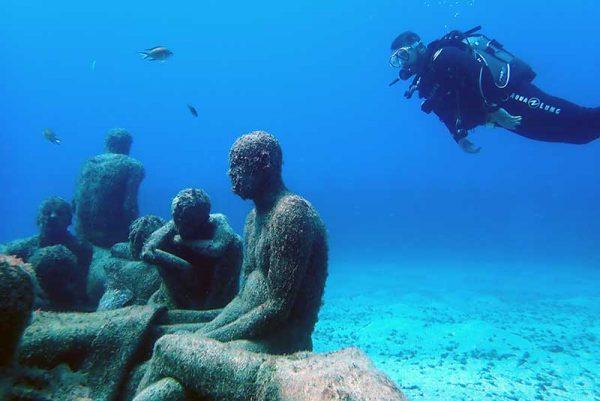 Dive the underwater museum as a beginner   Manta Diving Lanzarote