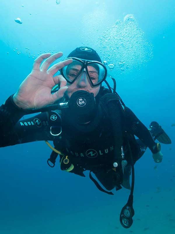 PADI Diving Courses Lanzarote | PADI certification course Puerto Del Carmen