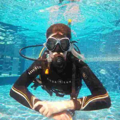 PADI Scuba Course | Manta Diving Lanzarote PADI 5* Dive Centre in Puerto Del Carmen